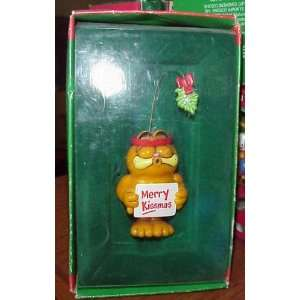 #555215 Garfield Merry Kissmas Treasury Ornament: Home & Kitchen