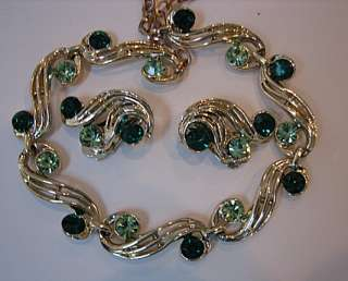 VINTAGE GREEN RHINESTONE NECKLACE & EARRINGS lovely