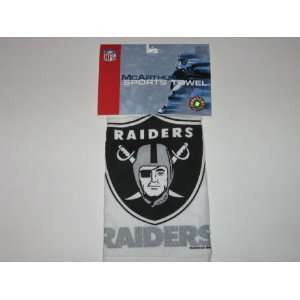 OAKLAND RAIDERS Logo 16 x 25 GOLF / SPORTS TOWEL with