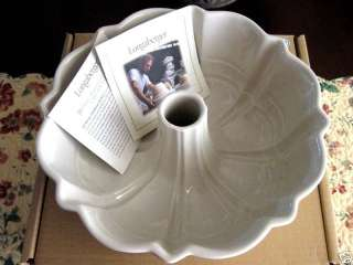 LONGABERGER~WOVEN TRADITIONS~FLUTED BUNDT CAKE PAN~NEW