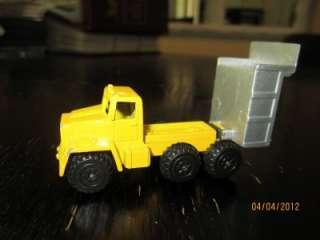 Lot of 4 Die Cast Dump Truck Tractor bulldozer tracks 993 Catepillar