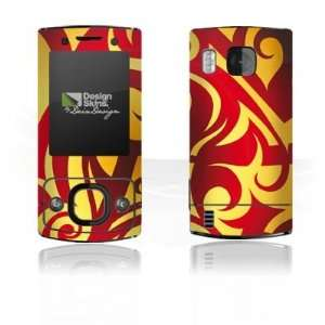 Design Skins for Nokia 6700 Slide   Glowing Tribals Design