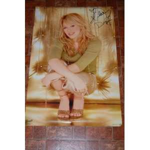 Hilary Duff Gold Poster 24x34