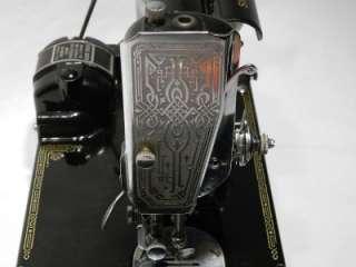 BEAUTIFUL 1936 SINGER FEATHERWEIGHT SEWING MACHINE MODEL 221 SCROLL