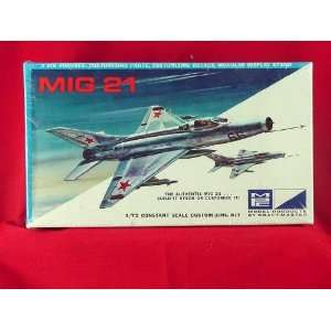 MPC MIG 21 1/72 Scale Model Kit with stand #7003 70 MIB