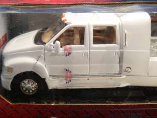 18 MOTOR MAX FORD F 650 SUPER CREWZER *WHITE*