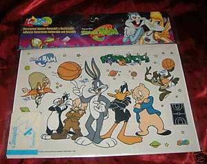 ADESIVI space jam 35x24 DUFFY DUCK TAZMANIA PIRATA SAM