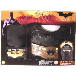 BATMAN BEGINS   BATMAN COSTUME   CHILD SMALL: Toys & Games