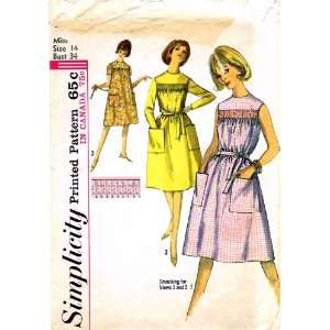 Pattern Womens Smocked Dress Size 14 Bust 34 Arts, Crafts & Sewing