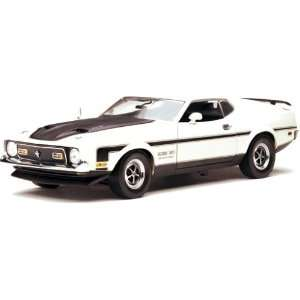 1971 Ford Mustang Boss 351 Diecast model car 1:18 scale