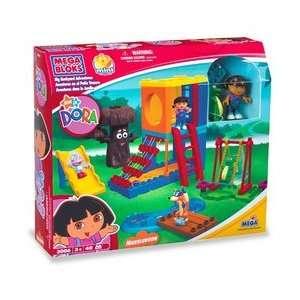 Mega Bloks Dora the Explorer   Big Backyard Adventures Toys & Games